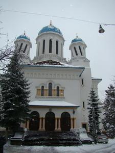 Русская (Николаевская) церковь в Черновцах с кручеными куполами. Фото