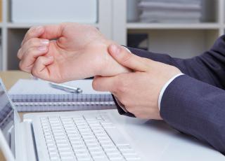 Что делать если болит рука от компьютерной мышки