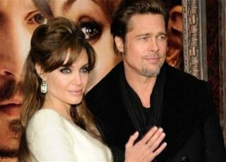 Первые фотографии со свадьбы Джоли и Питта