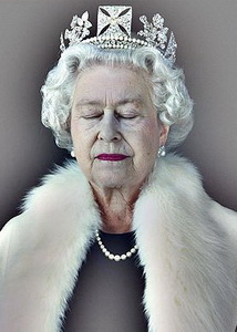 60 трехмерных голограмм Королевы Великобритании будут спроецированны на стены зданий