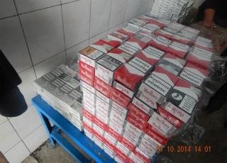 На митниці затримано нелегального перевізника сигарет